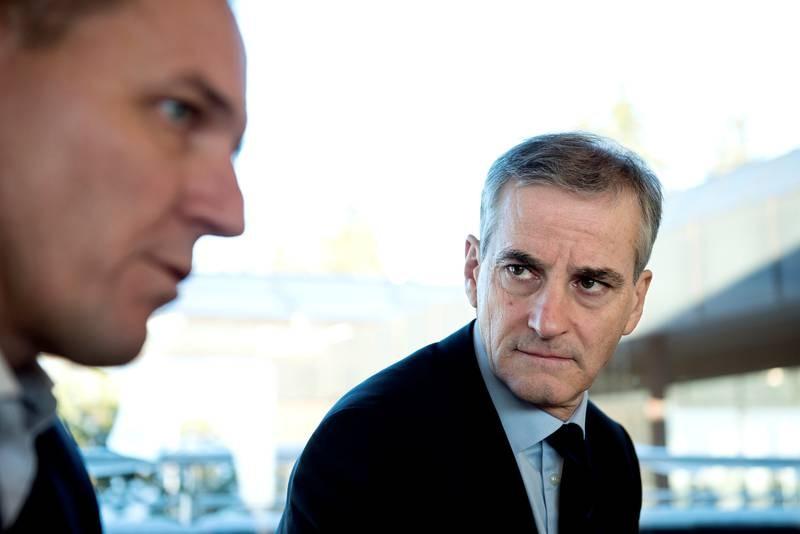 Ap-leder Jonas Gahr Støre deltar på SAMAK-konferansen på Voksenkollen.