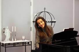 Kombinerer TikTok, musikk og religion: – Det å være kristen betyr ikke å være feilfri