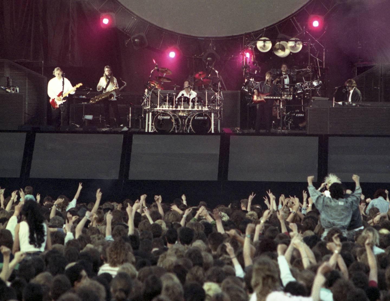 «Dark Side of the Moon» er Pink Floyds aller mest kjente album. Men i hvilket år ble det utgitt? Her fra en konsert i Berlin, Vest-Tyskland i 1988.