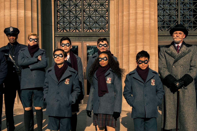 De unge superheltene i Umbrella Academy, før livet, puberteten og andre dramatiske ting skjer dem.