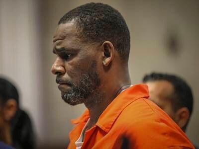Aktor hardt ut da rettssaken mot R. Kelly startet