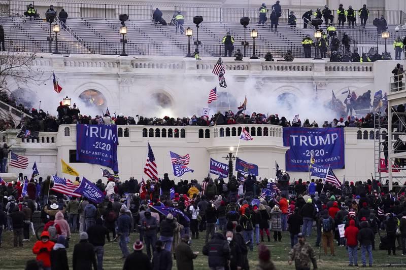 Republikanerne i Senatet vil helst legge Trump-tilhengeres storming av Kongressen bak seg og vil trolig hindre at det opprettes en granskingskommisjon. Arkivfoto: John Minchillo / AP / NTB