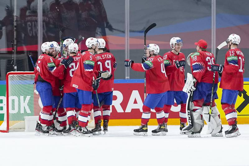 Norge i aksjon i ishockey-VM i Latvia forrige uke. Foto: Fredrik Hagen, Norges Ishockeyforbund / NTB