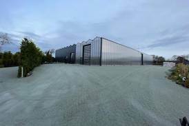 Bygger 4000 kvadratmeter drivhus: – Nesten selvforsynt