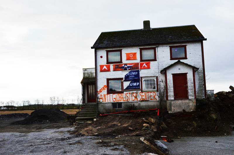 Arvid Gimre selger Alliansenhuset. Samtidig trekker han seg som førstekandidat i Rogaland.Foto: Arne Birkemo