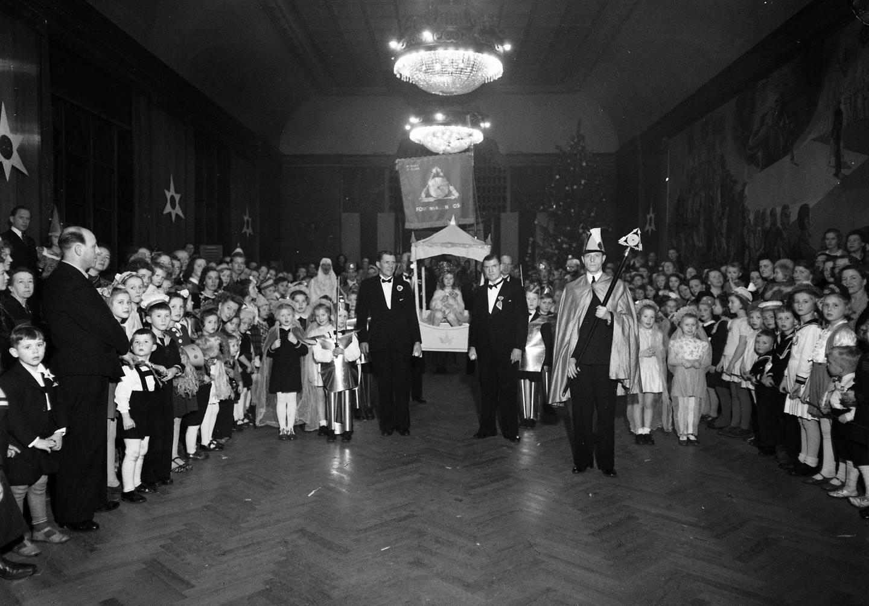 Juletrefest Foreningen Oslo 1946. Foto: Anders B. Wilse, Norsk Folkemuseum