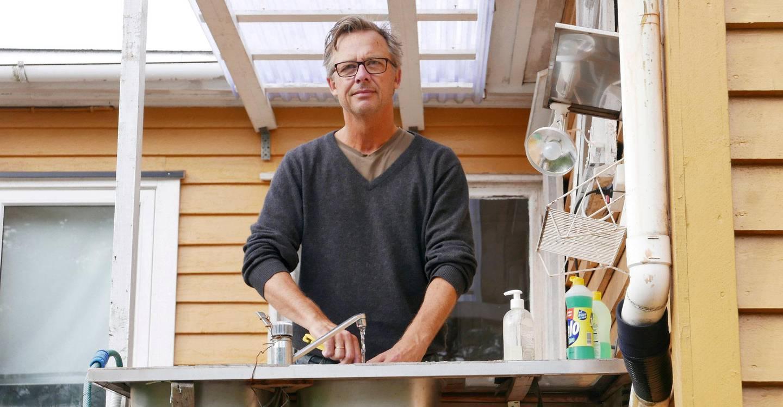 SPARTANSK: Også på hytta i Onsøy utenfor                        Fredrikstad lever Martin Joyce Nygaard uten den store luksusen. FOTO: MARTIN NÆSS KRISTIANSEN