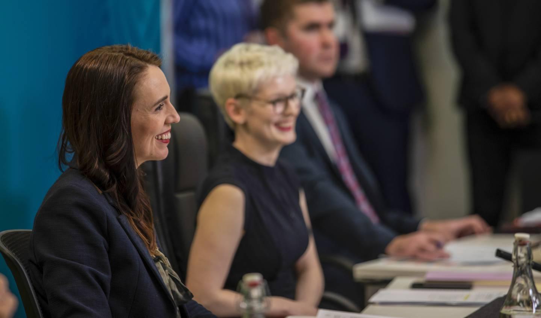 Statminister Jacinda Ardern og hennes regjering har innført strengere miljø- og klimatiltak, som bondeopprørerne vil til livs.