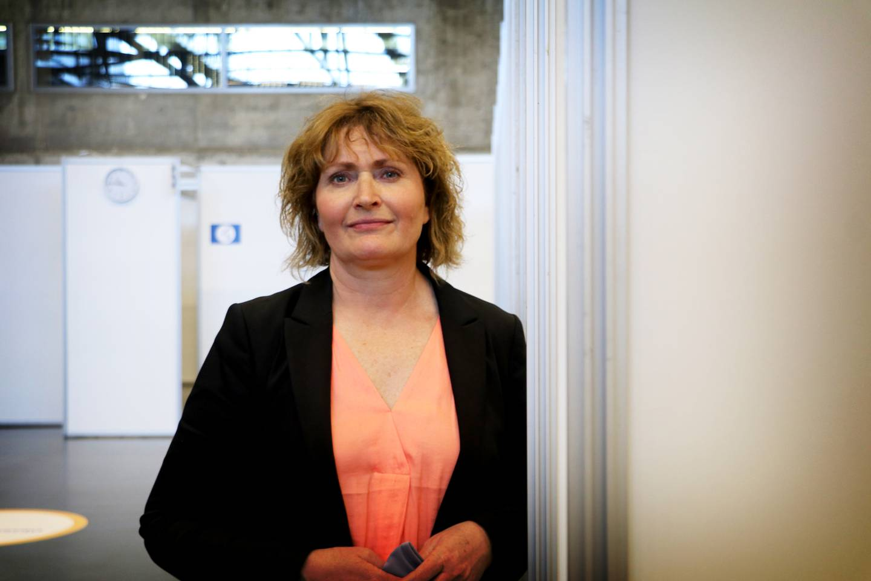Leder for vaksinesenter Expo, Marianne Amdal, minner folk på å ta med ID med bilde når de møter opp til vaksinering.