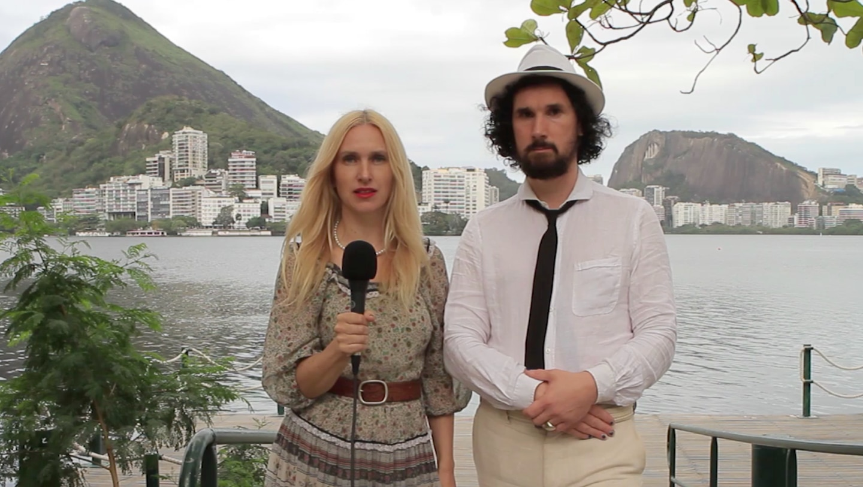 Edy Poppy og Julian Blaue tilbake i Rio i 2018, for å samle bevis mot seg selv til rettssaken mot dem selv.