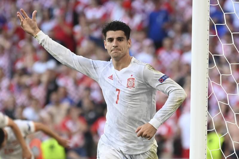 Álvaro Morata ble matchvinner da Spania slo Kroatia i mandagens EM-åttedelsfinale i København. Foto: Stuart Franklin, Pool Photo via AP)