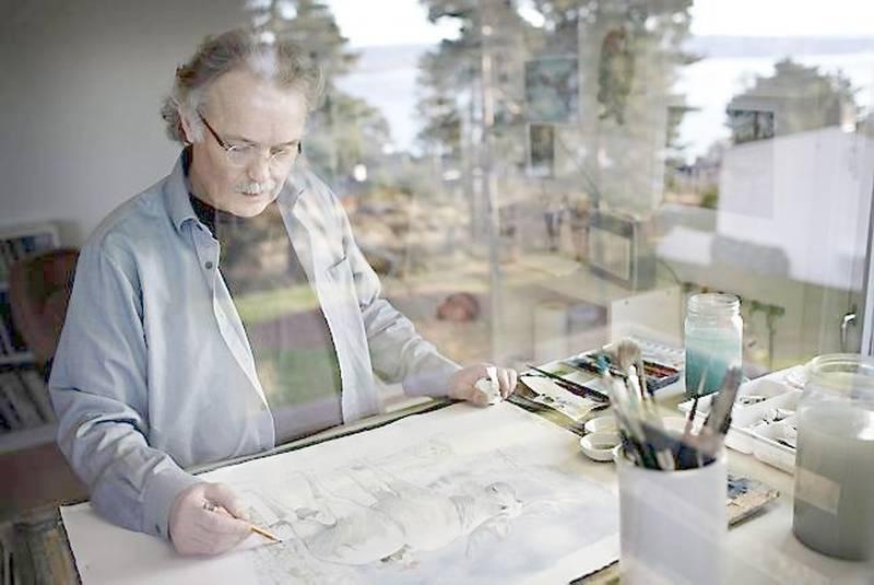 Et nytt nissebilde er i fred med å ta form. Kjell E. Midthun fører blyanten konsentrert og kjapt over papiret. - Men jeg er alltid usikker på motivet, det er ikke slik at jeg rister det ut av ermet, forteller han. FOTO: ANETTE KARLSEN/NTB SCANPIX