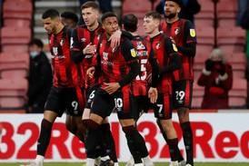 Bournemouth og Swansea tok første stikk i Premier League-jakten