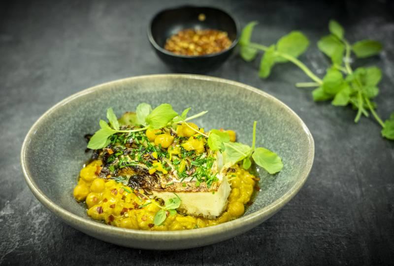 KIKERTGRYTE: Dette er en rimelig, sunn og smaksrik vegetarrett som det lages mange varianter av nå for tiden. Foto: Ole Berg-Rusten / NTB