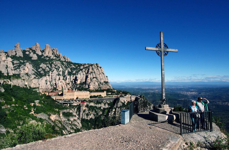 Klosteret i Montserrat ligger spektakulært til i et fjellmassiv som også byr på flotte fotturmuligheter. FOTO: CHRISTINE BAGLO
