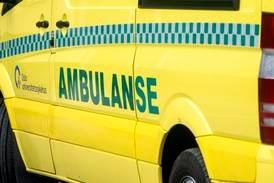 Fører til sykehus etter bilulykke ved Sinsenkrysset