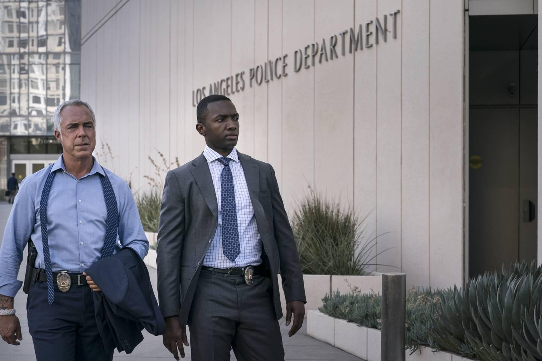 Partnerne Harry Bosch (Titus Welliver) og Jerry «J» Edgar (Jamie Hector) løser sin siste saker sammen i LA-politiets Hollywood Division i syvende og siste sesong av «Bosch».