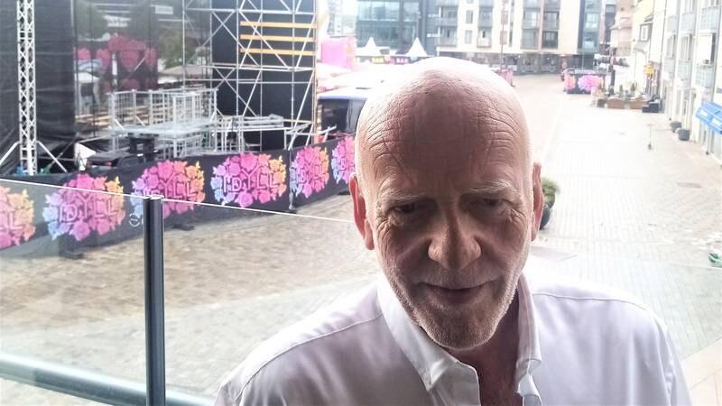– Å ha festivaler og konsertarrangører som nærmeste nabo i seks uker sammenhengende oppleves for mange som helt uutholdelig, forteller Stig B. Nedrelid om den nye tilværelsen beboerne i nærheten av Dampskipsbrygga har fått sommeren 2021.