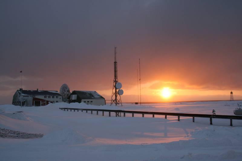 Basecamp Explorer har gjort om Isfjord Radio på Svalbard til et lunt og helt unikt rede.