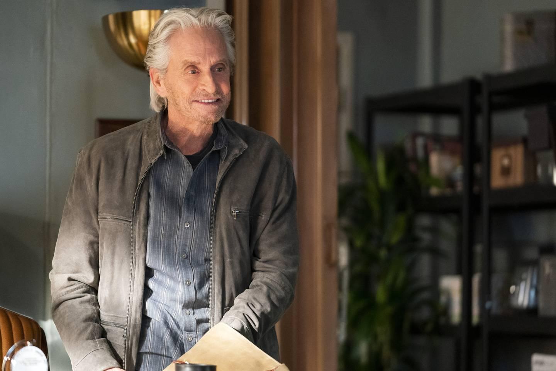 Michael Douglas som skuespillerveteran og skjørtejeger som kjenner på alderdommen i tre sesonger av «The Kominsky Method», den siste uten makker Alan Arkin.
