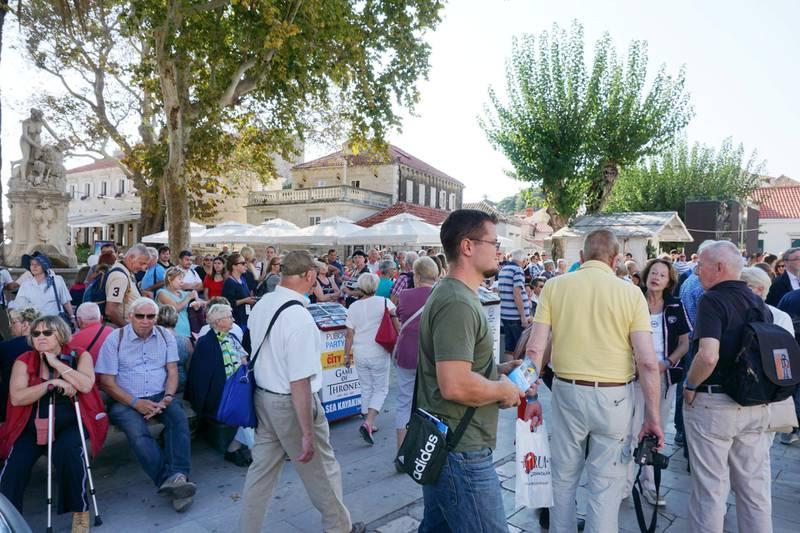 Dubrovnik er ett av mange reisemål i Europa som er diagnostisert med overturisme. Her fra en «rolig» dag i skuldersesongen ...