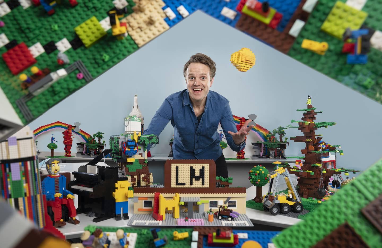 Ut med talkshow, inn med Lego. Til høsten skal Erik Solbakken styre byggerne i familieshowet «Lego Masters» på TV 2.