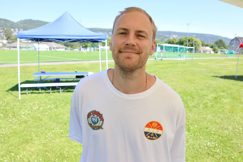 Kim Jeppe Karlsen har ansvaret for idrettsaktivitetene på sommercampen.