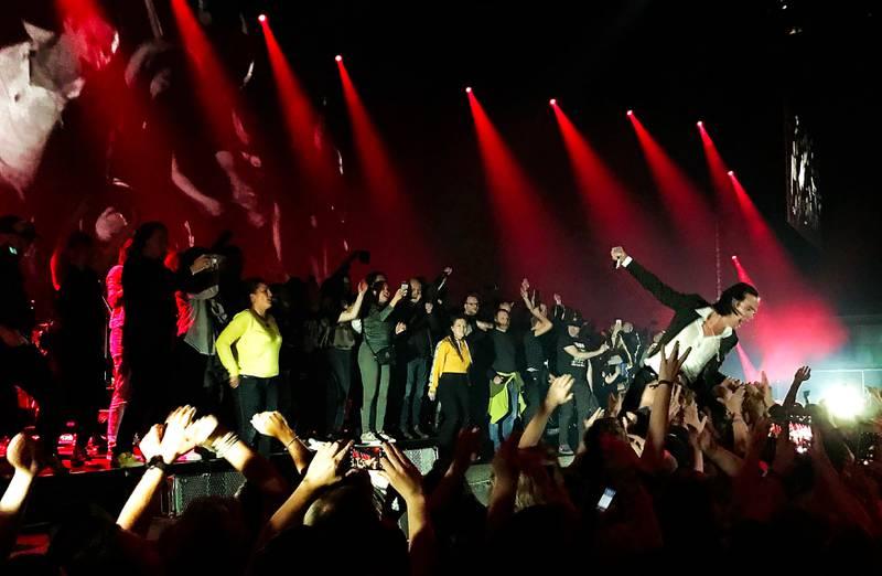 Nick Cave triumferte foran et fullsatt Oslo Spektrum, og etter hvert en fullsatt scene.