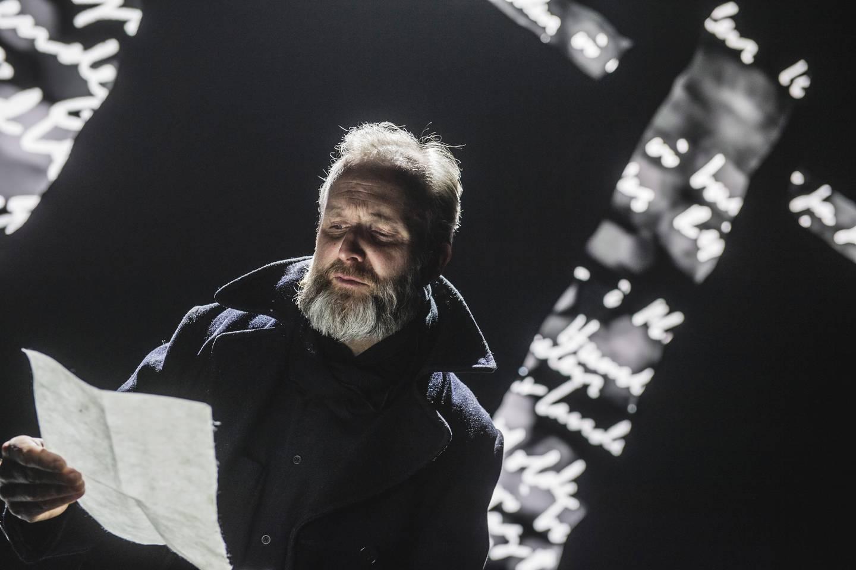 «Slåttekar i himmelen», et samarbeid mellom Det Norske Teatret og Teatret Vårt i Molde er en av forestillingene som ble tilbudt som digital opplevelse da teatrene stengte.
