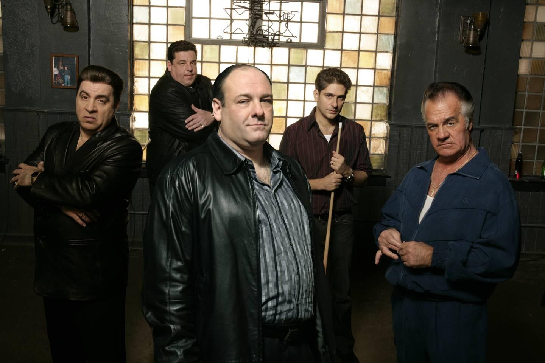 Tony Soprano og håndlangerne hans - Silvio Dante (Steve Van Zandt), Bobby «Bacala» Baccalieri (Steven R. Schirripa), Christopher Moltisanti (Michael Imperioli) og Paulie Walnuts (Tony Sirico). Den delen av Soprano-familien som bød på brutale løsninger og svart humor.