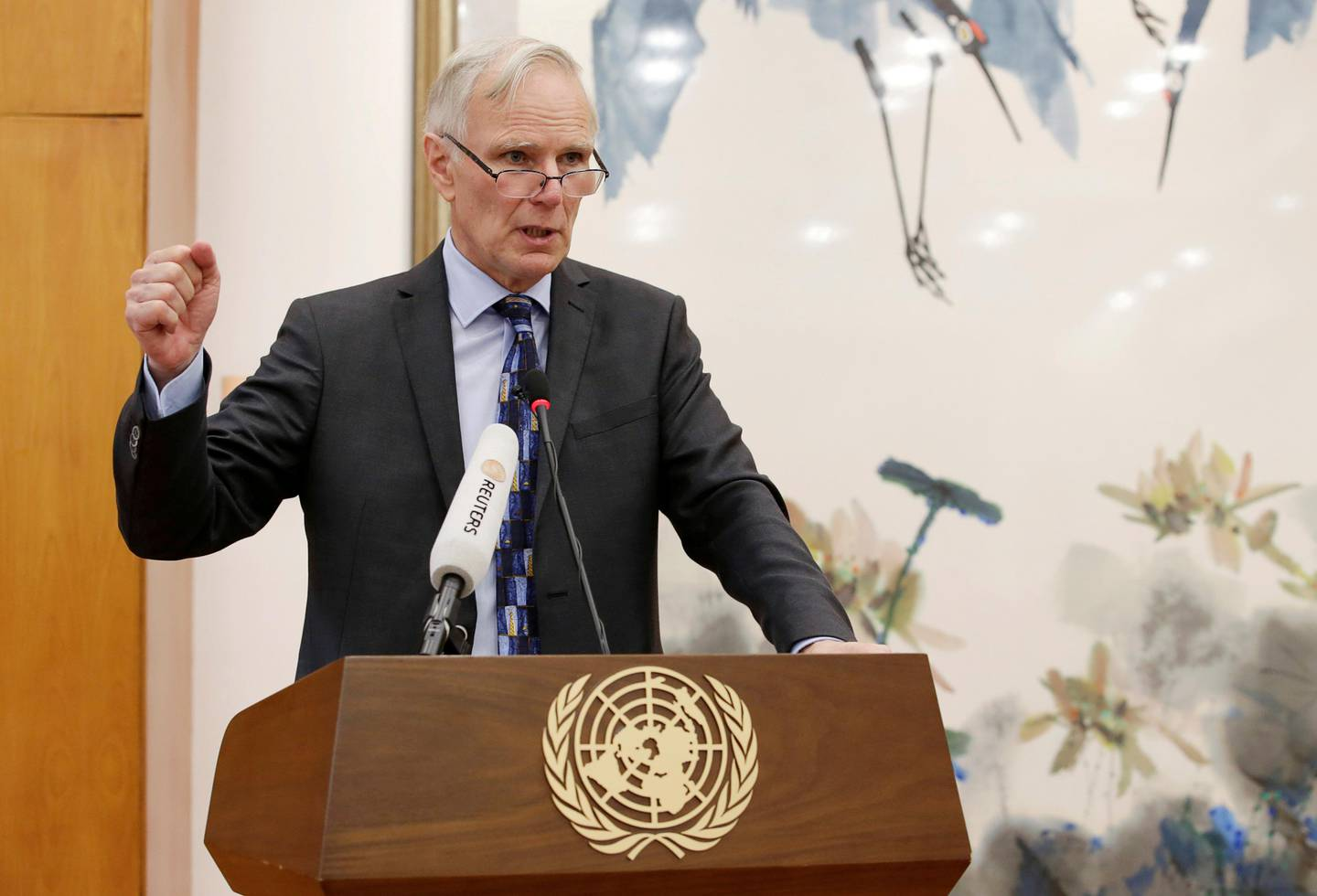 FILE PHOTO: Philip Alston, the U.N.'s special rapporteur on extreme poverty and human rights, attends a news conference in Beijing, China, August 23, 2016. REUTERS/Jason Lee/File Photo