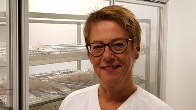 Seksjonsleder Bjørg Kari Bolstad ved blodbanken på Sykehuset Østfold roser giverne for å vise god dugnadsånd og være svært samvittighetsfulle.