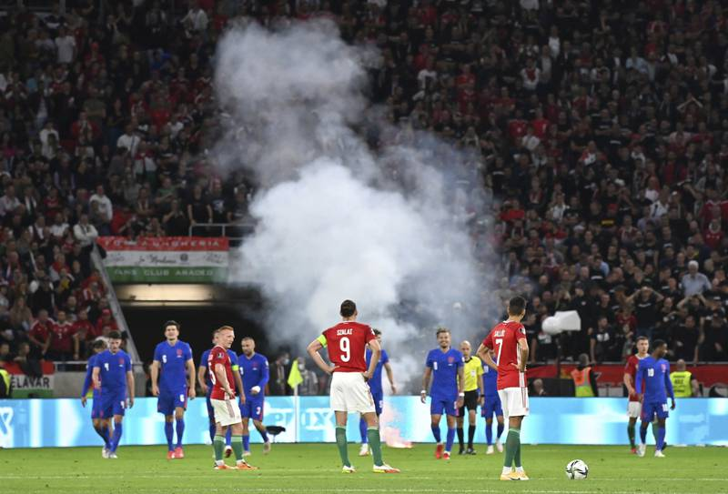 Ungarn får ikke ha publikum på tribunen i sin neste hjemmekamp i VM-kvalifiseringen. Det er straffen for rasistiske tilrop i møtet med England tidligere i måneden. Foto: Tibor Illyes / MTI / AP / NTB