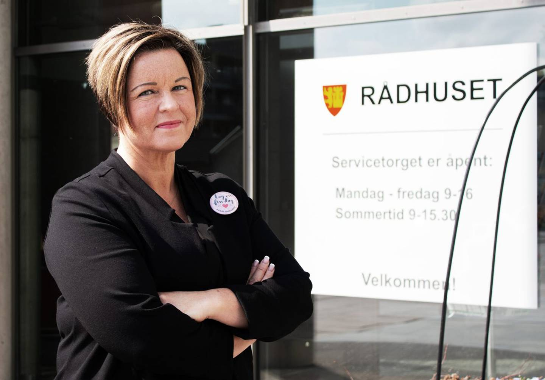 «Det gjør inntrykk å høre om det dere har vært gjennom, og det er leit å høre at dere opplever mer motgang enn bistand», skriver kommunedirektør Nina Tangnæs Grønvold i en e-post til Kjetil Hagenes.