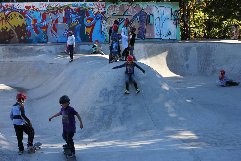 Barna på Gamlebyen skole får bruke den store bowlen i gymtimene.
