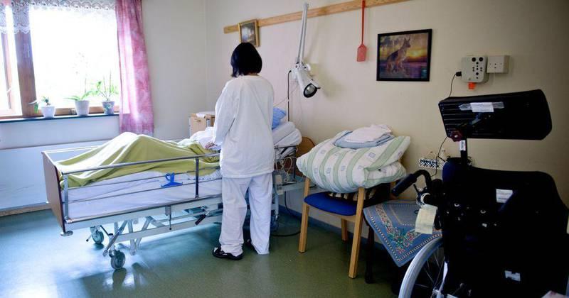 Systemet med at ansatte må jobbe mer enn 20 prosent for å bli meldt inn inn i enestepensjonsordningen, rammer 10.000 i sykehusene.