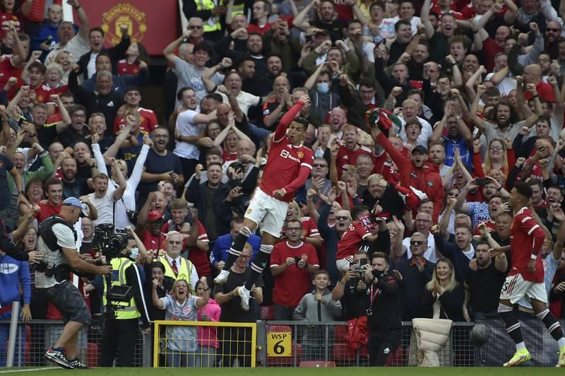Det ble ekstatiske scener da Cristiano Ronaldo redebuterte for Manchester United lørdag. Foto: Rui Vieira / AP / NTB