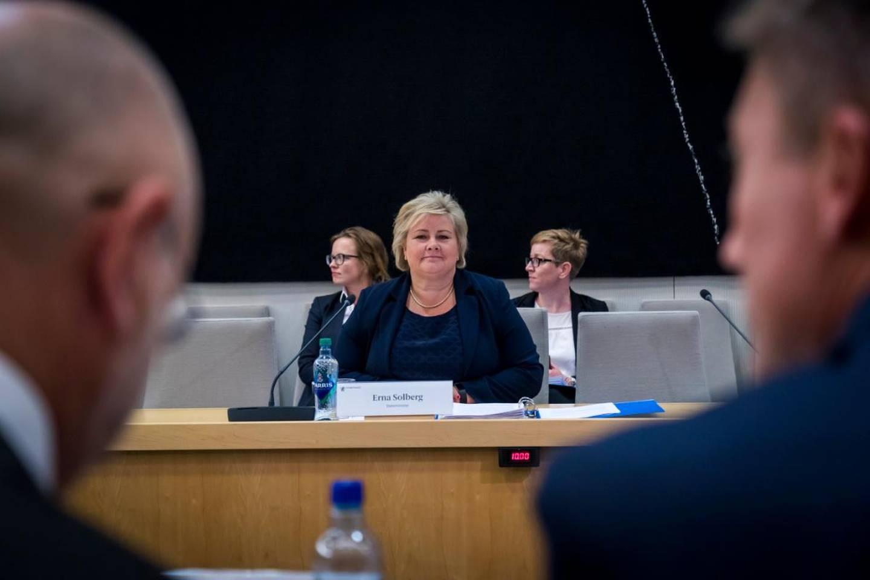 Statsminister Erna Solberg under åpen høring i Stortingets kontroll-og konstitusjonskomite i riksrevisjonens undersøkelse av oppfølging av objektsikring. Erna Solberg sier regjeringen burde kommunisert bedre, tydeligere og tidligere til Stortinget.