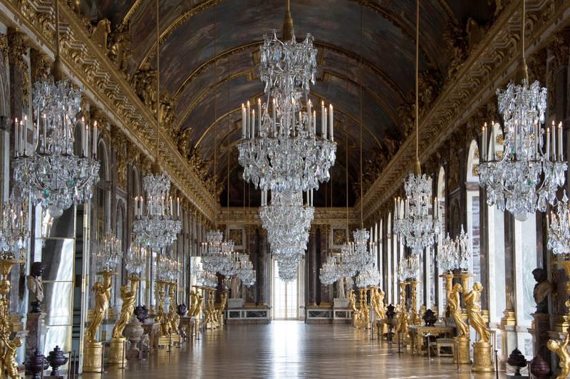 Den praktfulle speilsalen har 357 speil. Her har mange viktige historiske begivenheter funnet sted. FOTO: DIDIER SALUNIER