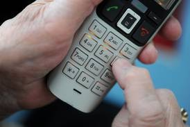 Telefonsvindlere utgir seg for å være politi – ber om sensitiv info