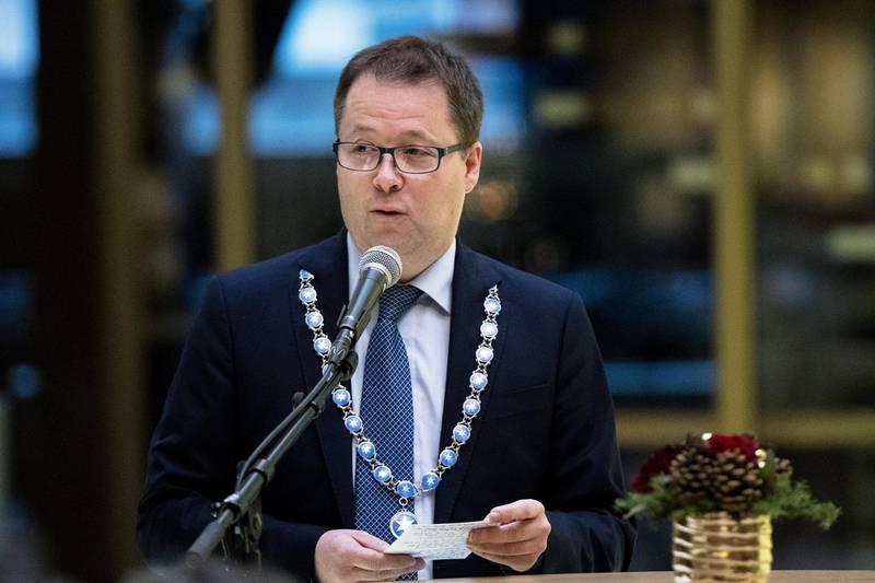 Bjørn Arild Gram mener det er oppsiktsvekkende at Mæland ikke vil kompensere kommunene.