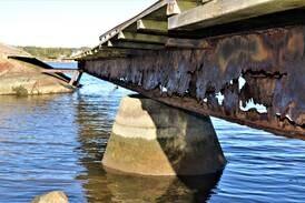 Snart rives den gamle og erstattes av 35 meter i tre og stål