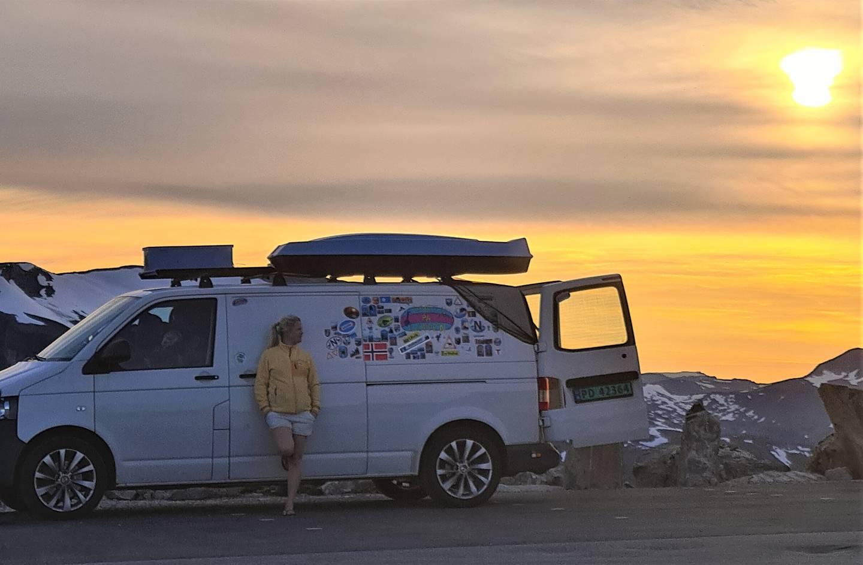 Nina Bull-Engelstad (31) sa opp jobben for å bo i et varebil og reise Norge rundt.