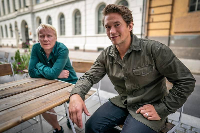 Oslo 20200811.  Skuespiller Jakob Oftebro (t.h.) og regissør Eirik Svensson er aktuelle med filmen Den store forbrytelsen, som har premiere 1. juledag. Foto: Heiko Junge / NTB scanpix