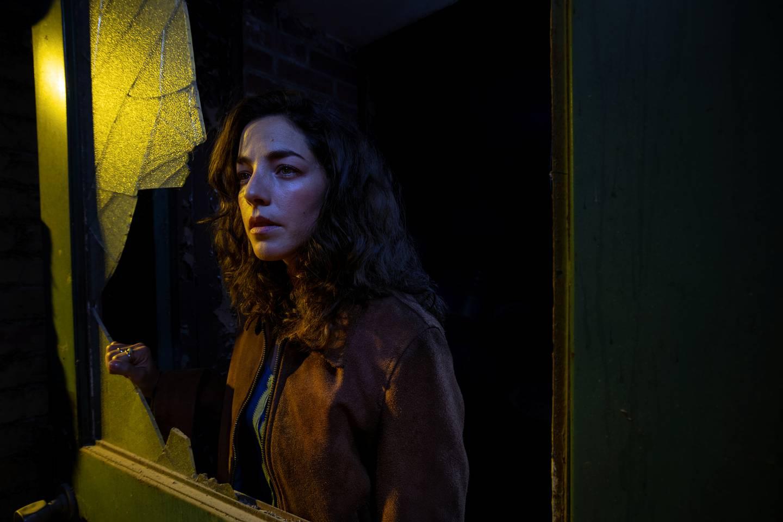 Yoricks søster Hero (Olivia Thirkby) prøver å overleve i det nye, lovløse samfunnet som oppstår etter manne-apokalypsen.