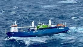 Lasteskip i drift kan treffe kysten onsdag