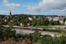 Deler av Østfoldbanen fortsatt stengt på grunn av flom