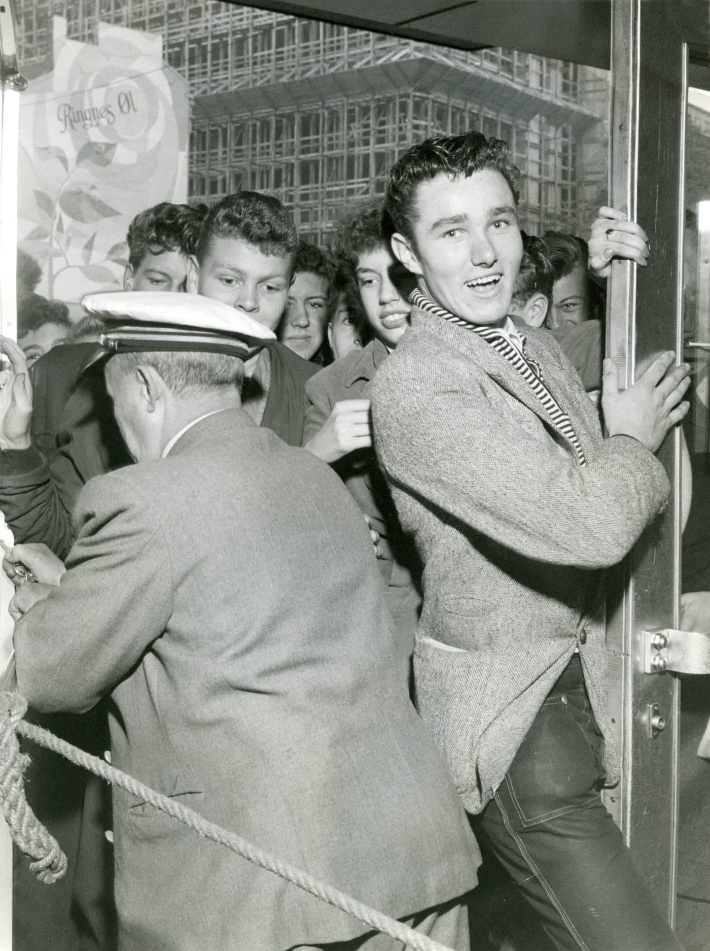 Rockeopptøyene 20. september 1956 startet utenfor Sentrum kino etter premieren på «Rock around the clock», i norsk presse omtalt som en jazzfilm.