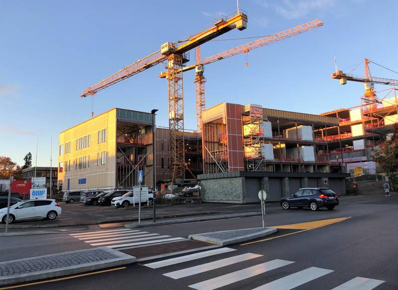 Nye Onsøyheimen sykehjem er under oppføring på Ørebekk. Bildet viser framdriften per 11. oktober – ett år før overlevering til Fredrikstad kommune.
