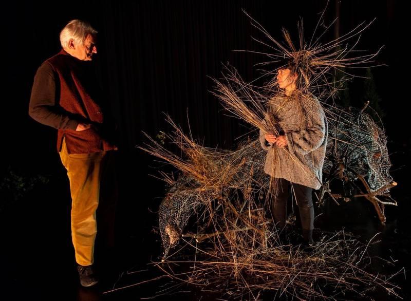 Fra forestillingen «Ways of Seeing», her med tidligere høyesterettsdommer Ketil Lund og skuespiller Hanan Benhammar